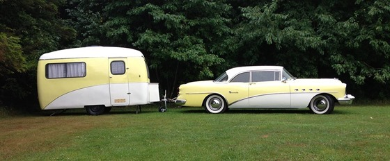 Buick_Roadmaster_Riviera_with_travel_trailer_at_Vestbirk_Camping,_Denmark_by_Slaunger_2013-07-27
