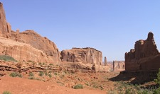 1-Park_Avenue_in_Arches_NP