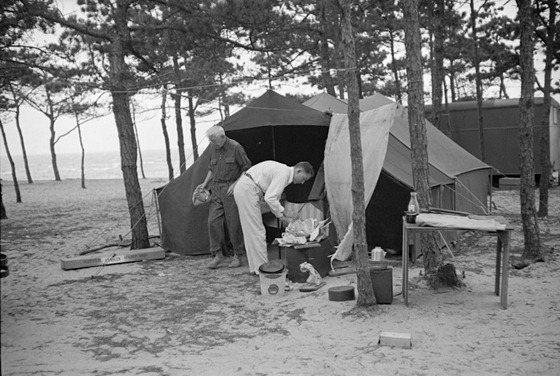auto-camping-at-Dennisport-Massachusetts-September-1936